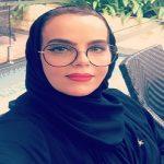 """شاهد.. كاتبة سعودية """"شهيرة"""" تنشر صورتها لأول مرة على حسابها في """" تويتر"""""""