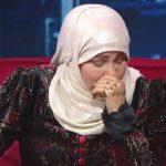 شاهد.. فنانة تبكي في لقاء تلفزيوني: الدنيا زائلة .. أريد المسجد النبوي!