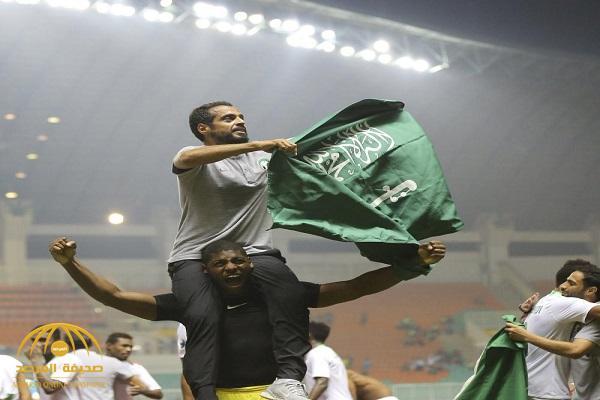 """بعد تحقيق البطولة الآسيوية التي غابت عن المملكة منذ 1992.. من هو المدرب """"خالد العطوي""""؟!"""