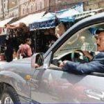 """""""حوثي"""" يتجول بسيارة الرئيس صالح في شوارع صنعاء (صورة) """