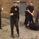 شاهد: ضابط شرطة يصعق مواطن أعزل في أمريكا و الرأي العام يتهمه باستخدام القوة المفرطة – فيديو
