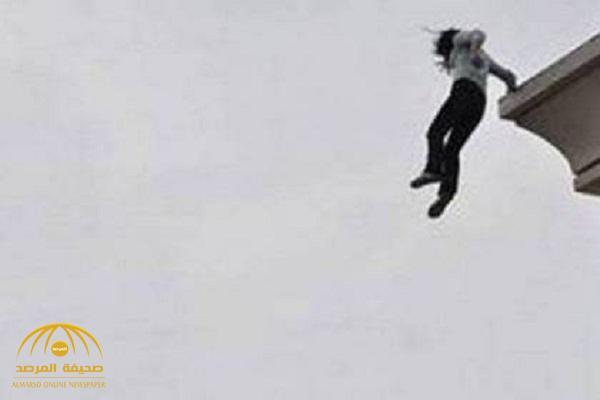 فتاة سعودية تنهي حياتها قفزًا من الطابق الرابع بأحد أحياء جدة .. وشقيقها يكشف سبب انتحارها