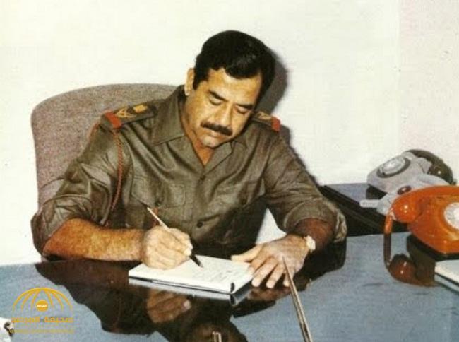 """بالصور: شاهد لأول مرة عرض وثائق بخط يد الرئيس العراقي  الراحل """"صدام حسين"""" للبيع"""