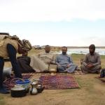 """شاهد : الكشتة في وسط صحراء """"رفحاء"""" شمال المملكة"""