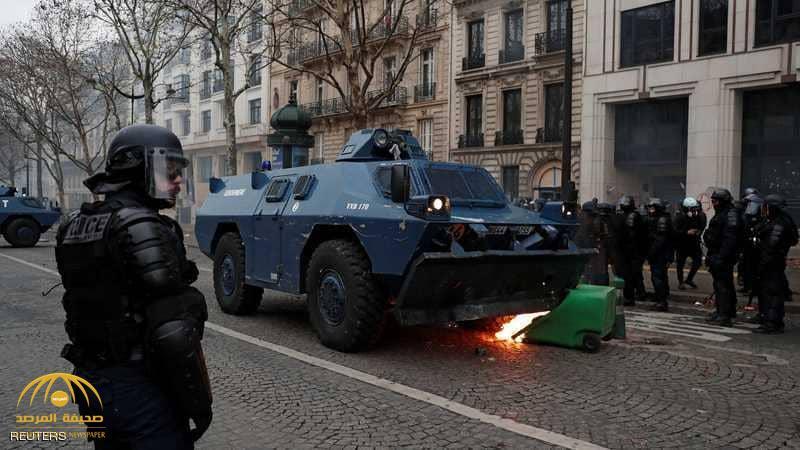 """الشرطة الفرنسية تستعين بـ """"سلاح سري"""" لوقف المتظاهرين!"""