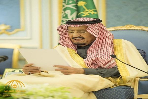 """بالصور.. الملك سلمان يستقبل ضيوف مهرجان  """"الجنادرية """" من المفكرين والأدباء"""