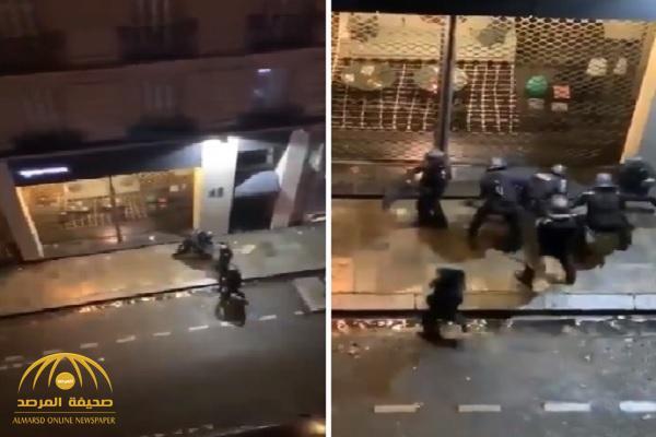 بالفيديو: شاهد.. عناصر من الشرطة الفرنسية يعتدون بوحشية على متظاهر بباريس!