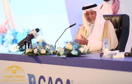 """شاهد.. ردة فعل أمير مكة على مقترح شاب بإطلاق اسم """"خالد الفيصل"""" على مطار القنفذة"""