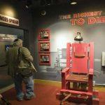 لماذا يفضل الأمريكيون الإعدام على الكرسي الكهربائي؟