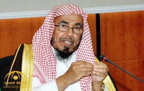 الشيخ المطلق يكشف عن الصحيح والراجح عنده في حكم جمع صلاة الجمعة مع العصر!