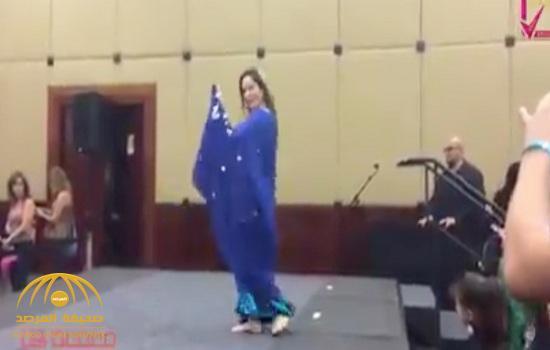 بالفيديو:  شاهد .. رقص خليجي على أصوله  لسيدة أمريكية عاشت 10 سنوات في السعودية!