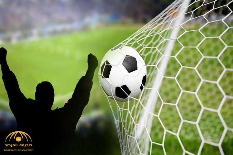 لاعب سعودي يفجع بوفاة والده بالمدرجات خلال مباراة فريقه! -صور