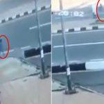 بالفيديو.. شاهد .. سيارة تدهس طفل ووالده في سودة عسير
