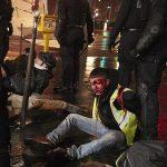 شاهد بالصور ..  شوارع باريس بعد تجدد احتجاجات أصحاب السترات الصفراء
