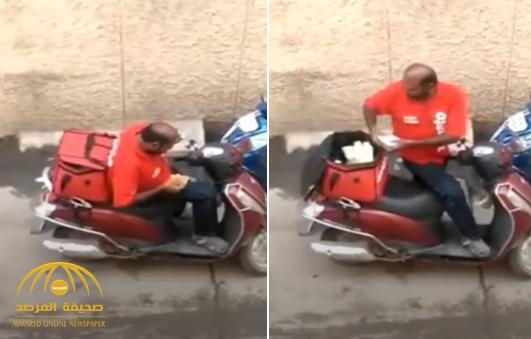 عامل الديليفري وطلبات الزبائن.. فيديو يرصد الجرم المخجل!