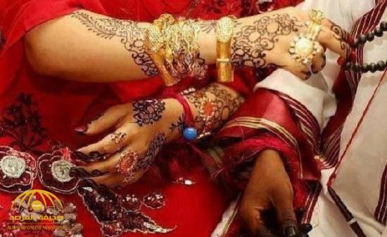 عروس سودانية تهاجم فنانة وتأخذ المايكروفون وتمنعها من الغناء في زفافها وتثير جدلا واسعا بين المدعوين!