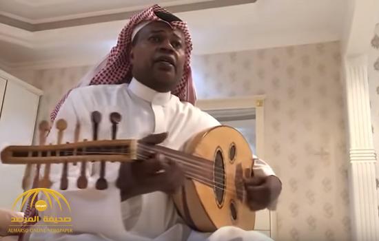 شاهد …سعيد العويران في فيديو جديد يعزف ويغني لتركي آل الشيخ