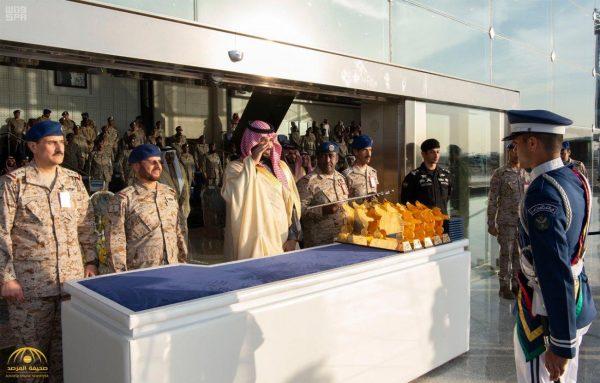 شاهد بالصور: ولي العهد يرعى حفل تخريج الدفعة 95 من طلبة كلية الملك فيصل الجوية
