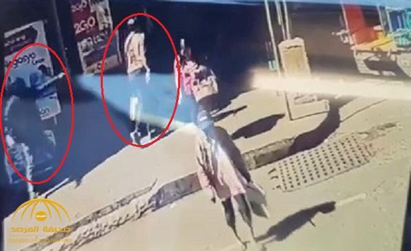 بالفيديو .. لحظة اغتيال أشهر داعية إسلامي في الفلبين في وضح النهار أمام المارة