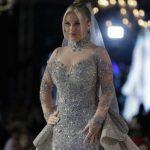 بعد رانيا يوسف .. نيكول سابا تشعل الجدل في مصر بفستان بـ 200 مليون جنيه ! – صور