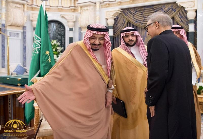 بالصور .. خادم الحرمين يستقبل رئيس جمهورية باكستان الإسلامية