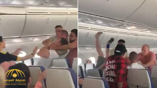 شاهد : مشاجرة وتبادل لكمات وخنق داخل طائرة