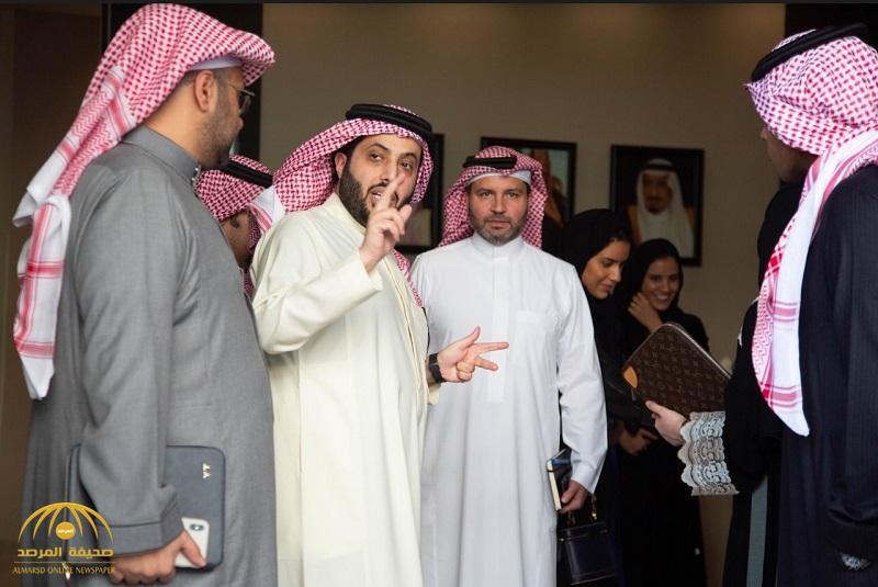 """بالفيديو والصور .. تفاصيل أول اجتماع  لـ """"تركي آل الشيخ"""" بمنسوبي """"هيئة الترفيه"""" .. ولهذا السبب أبدى سعادته !"""