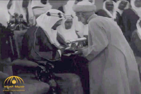 شاهد : فيديو نادر لزيارة الملك سعود للهند قبل 78 عاماً عندما كان ولياً للعهد .. وهؤلاء كانوا برفقته
