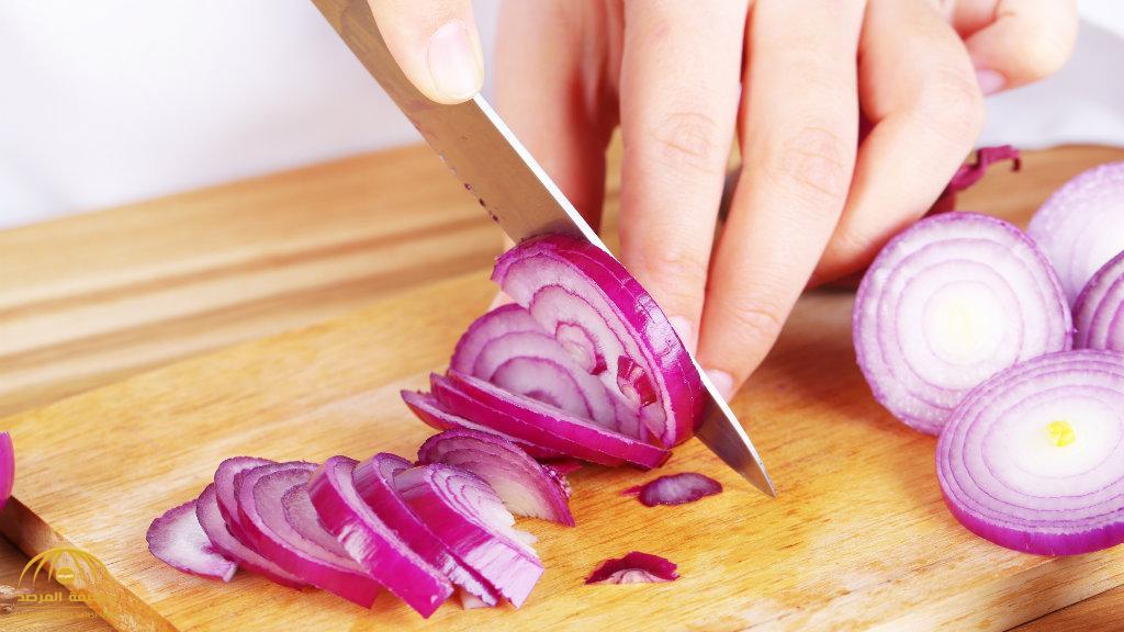 فوائده لا تحصى.. لا ترمي قشر البصل بعد اليوم