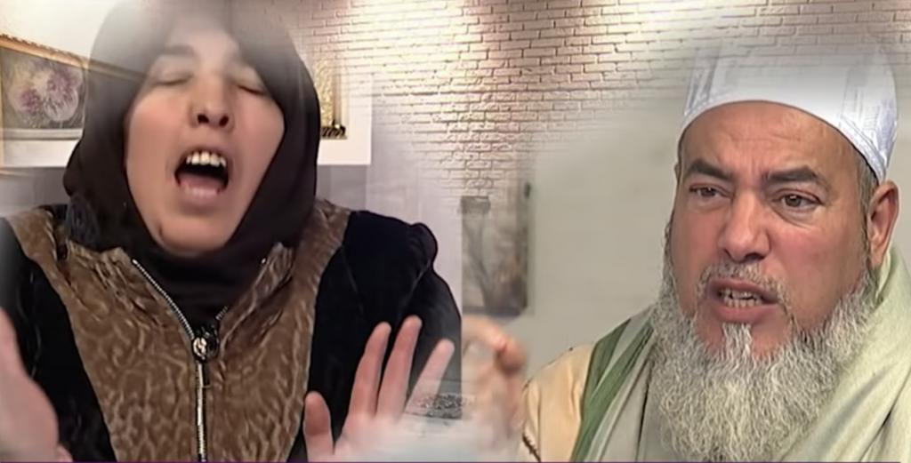 """شاهد:  واعظ جزائري يهدد  ملك الجن """"شركس"""" بالحرق ويطلب خروجه فورا من داخل امرأة على الهواء !"""