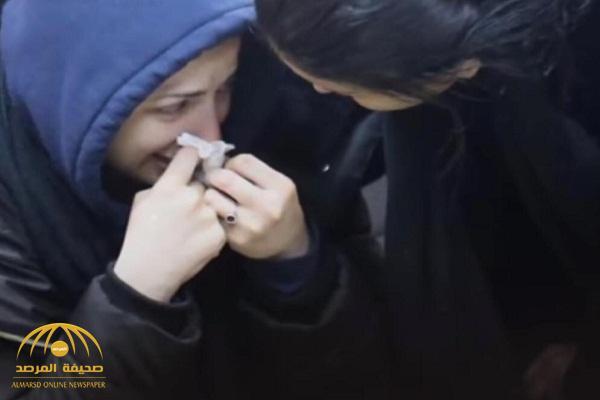 """بكاء وعباءة وغطاء للرأس .. شاهد: أول ظهور لبطلتي الفيديو الإباحي """"منى فاروق"""" و """"شيماء الحاج"""" !"""