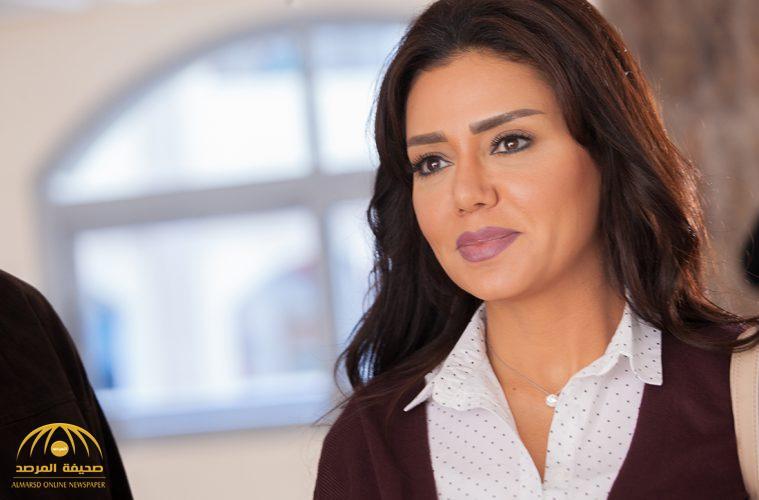 """الفنانة المصرية رانيا يوسف تكشف تفاصيل التحقيق معها بشأن """"فيديو إباحي"""".. وتقوم بفعل غير متوقع بعد خروجها من النيابة!"""