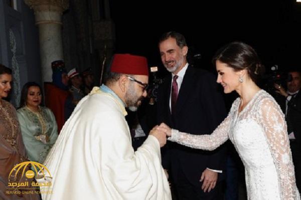 شاهد : تصرف مفاجئ من ملك المغرب تجاه ملكة إسبانيا عندما شعرت بالبرد !