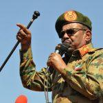 تقرير: انقلاب وانقسام وحرب أهلية واتهامات بجرائم حرب.. من هو عمر البشير ؟