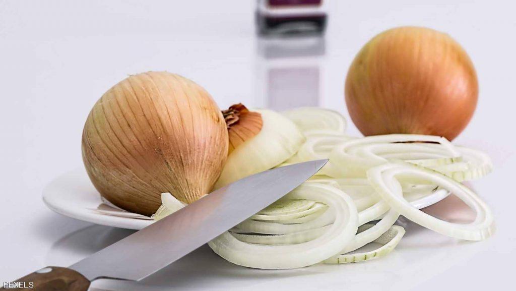 الثوم والبصل سلاح يحمي من إصابة الأمعاء بهذا المرض الخطير!