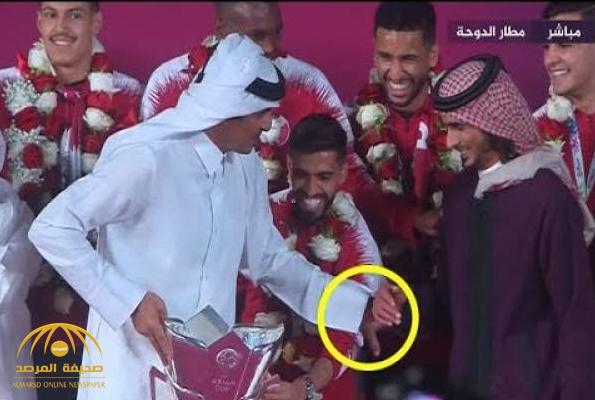"""معارض قطري يعلق على إهانة """"تميم"""" لقائد منتخب بلاده من أجل مجاملة أخيه!"""