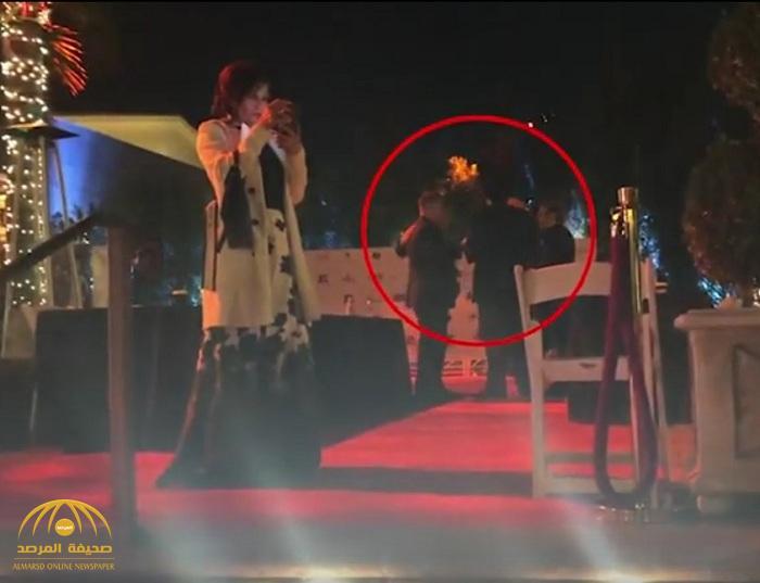 """شاهد: ممثل اسكتلندي يعتدي على زملائه في حفل توزيع جوائز """"الأوسكار"""" في لوس أنجلوس وهذا ما فعله بنساء الحفل !"""