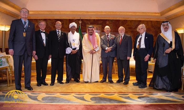 بالأسماء ..خادم الحرمين يُتوّج الفائزين بجائزة الملك فيصل العالمية
