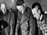 """مجلة فرنسية تكشف مفاجأة غير متوقعة: """"هتلر"""" كان مهتمًا بالقرآن.. وطالب النازيين بالبحث فيه عن هذا الأمر!"""
