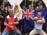 """شاهد بالفيديو.. سكان نيوزيلندا يرقصون """"الهاكا"""" حدادا على ضحايا المسجدين!"""