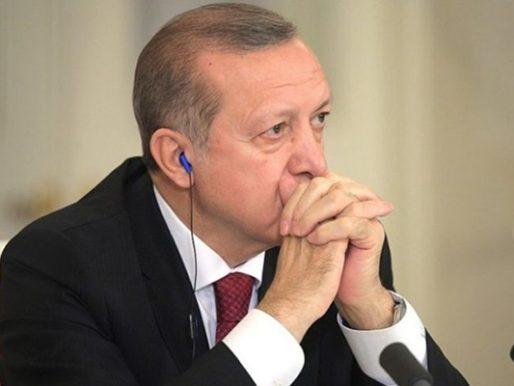 """الليرة التركية تتهاوى في """"الوقت الحساس"""".. وأردوغان """"خائف"""""""