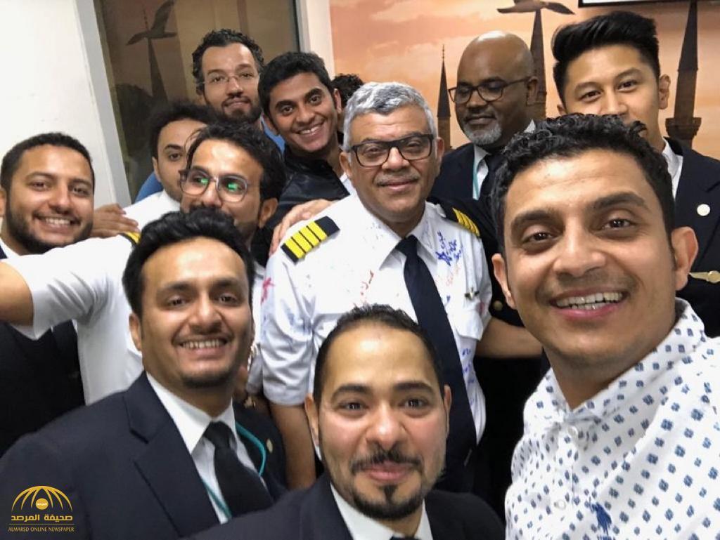 بالفيديو.. الطيار السعودي الذي فاجأه ابناؤه في آخر رحلة له قبل التقاعد يكشف تفاصيل المشهد!