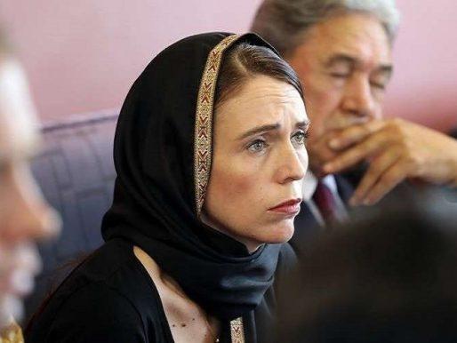 """بعد مذبحة المسجدين … قرار مفاجئ من نيوزيلندا  بشأن  """"الأذان"""" !"""