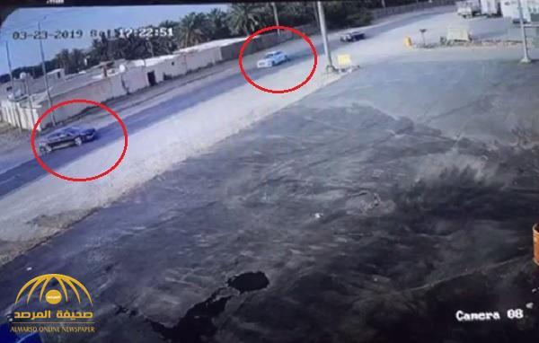 شاهد .. كاميرا توثق حادث تصادم مروع على أحد طرق المملكة ومصادر تكشف عدد الوفيات