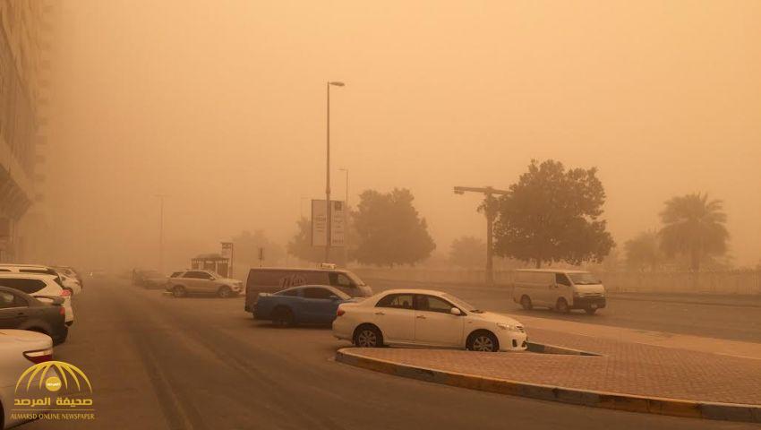 """نصحوا بـ""""تعليق الدراسة"""".. خبراء طقس: هذه المناطق في المملكة على موعد مع عواصف رملية رياح قوية غدًا"""