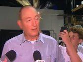 """""""كاسر البيضة"""" على رأس السيناتور النيوزيلندي يفاجىء متابعيه بموقف جديد !"""