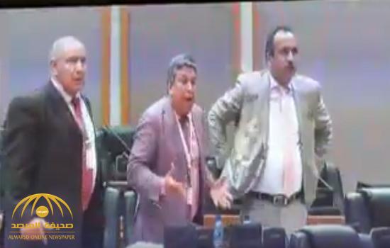 شاهد.. غضب شديد وملاسنة بين وفد المغرب ومفوض الجزائر داخل البرلمان الإفريقي!