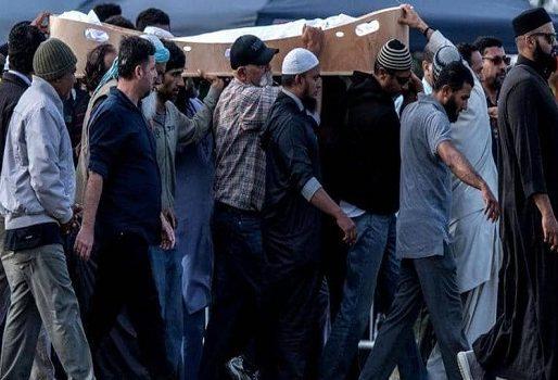 """نيوزيلندا تحدد هويات القتلى الخمسين.. وتبرر """"تأجيل الدفن"""""""