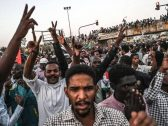 السودان.. اعتقالات بالجملة في حزب البشير وإقالة ضباط الأمن الوطني