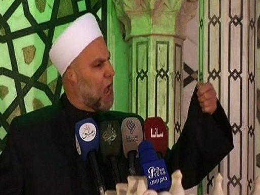النظام السوري يعزل أكبر واعظ مطبل له في دمشق .. بعد جلب السخرية بخطبة جديدة ! – فيديو